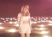 ellie-goulding-burn-music-video 330